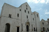 The imposing Basilica di San Nicola in Bari.
