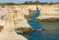 The age-old cliffs of south-eastern Puglia.