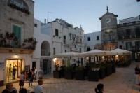 Cisternino's lovely main piazza with its al fresco restaurants.