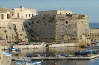 The fortified walls and the harbour of Gallipoli.