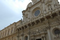 46/47 The beautifully intricate facade of Lecce's cathedral.