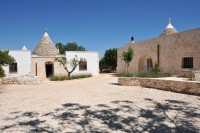 The courtyard separating the two trulli.