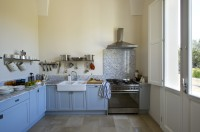 11/42 The well-equipped kitchen in the larger villa.