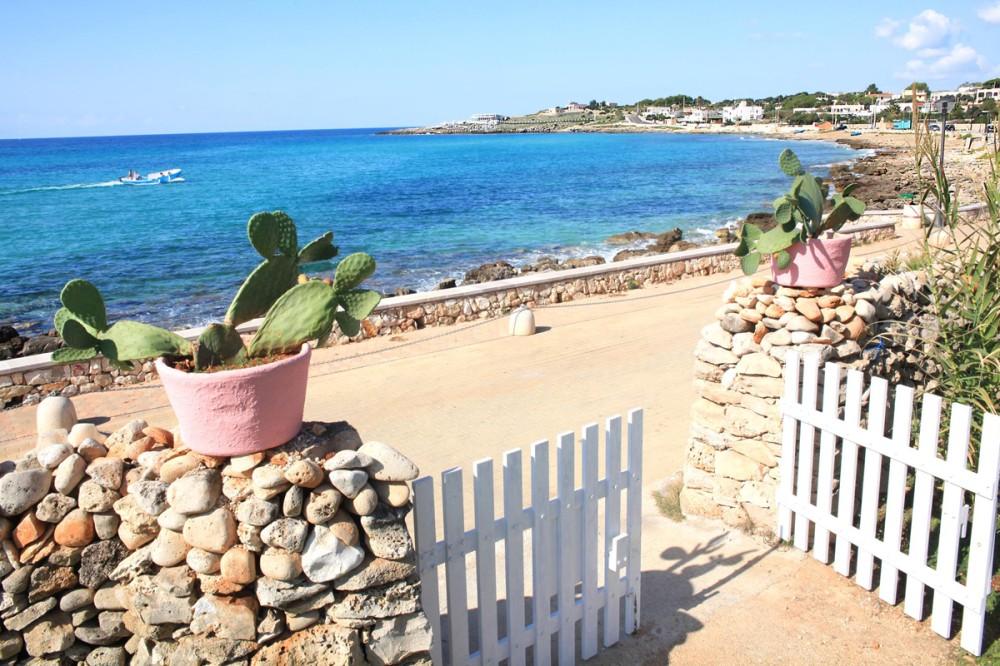 Villas near sandy beaches
