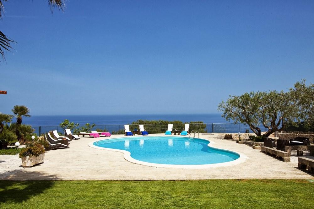 Seafront villas in Puglia