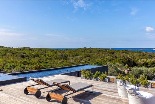 Villas in Corsica with pool and direct sea access