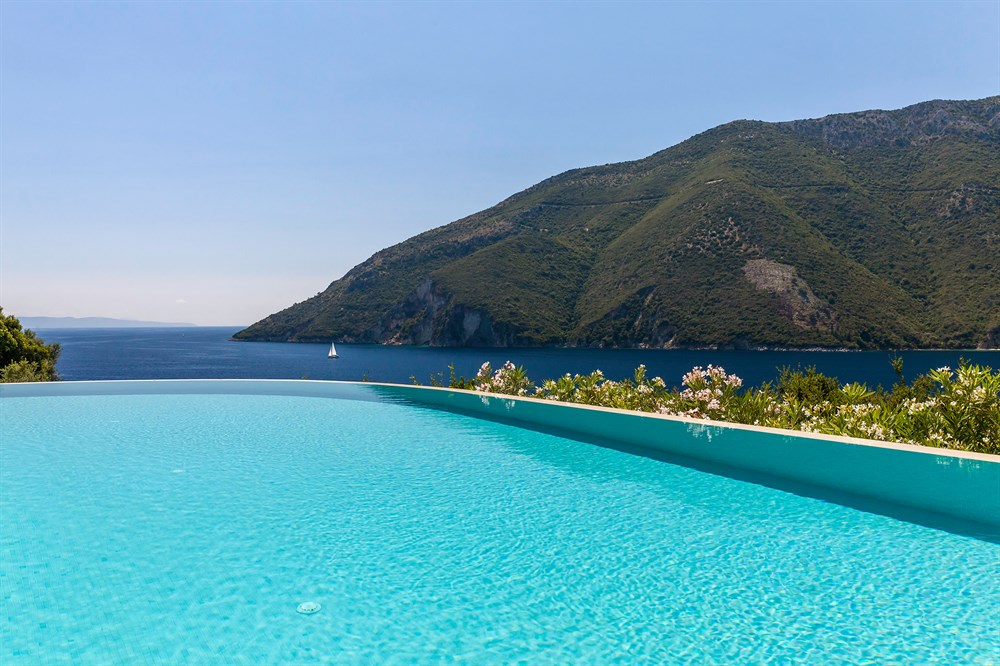 Akrothea - Luxusvilla am Meer mit Pool in Meganisi, Griechenland