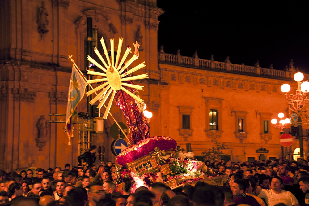 Easter Traditions & Villas in Sicily | The Thinking Traveller