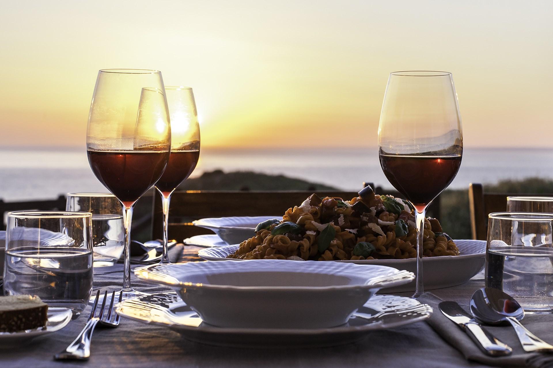 Sicilien, middagsmad og lokal vin