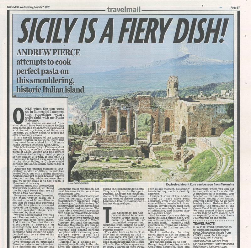 The-Daily-Mail,-7th-March-2012-article